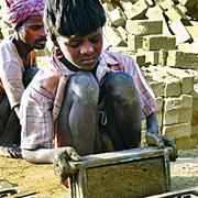 Inde. Sortir du travail des briques