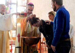 7 jeunes de Don Bosco Giel baptisés et confirmés et reçoivent la communion