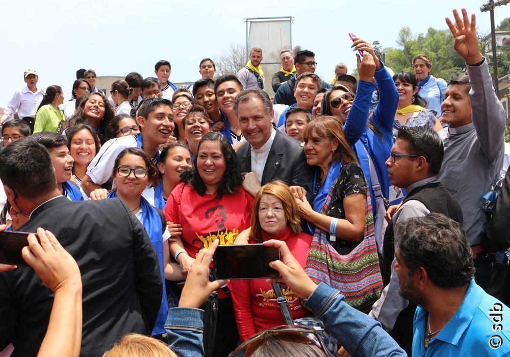 Au Mexique, le recteur majeur visite «l'œuvre d'art» éducatif de la famille salésienne.