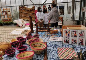 Vente de produits artisanaux par la classe de 3e du lycée Costa de Beauregard à Chambéry