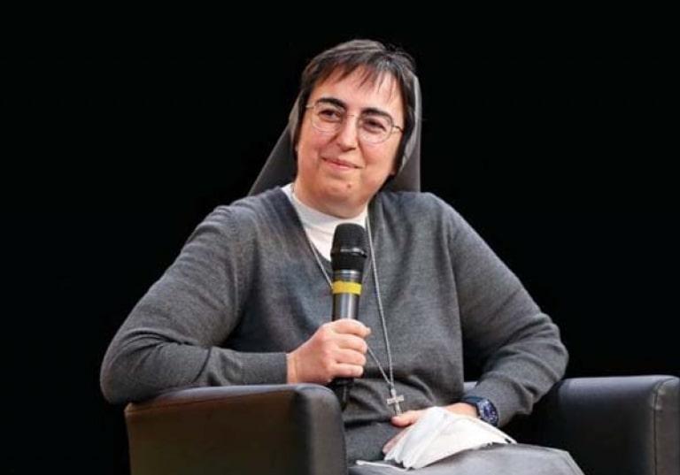 Sœur salésienne de Don Bosco, Alessandra Smerilli, le Vatican au féminin